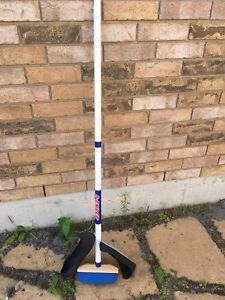 8-Ender Curling Broom and 2 Sliders