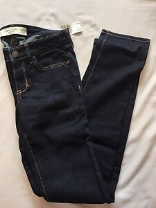 Abercrombie and Fitch Women's Skinny Jeans Size 00 NEW WITH TAGS
