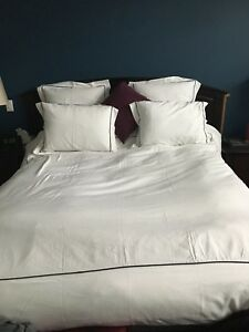 Quilted cotton bead spread with 4 pillow shams