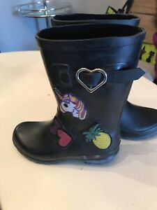 Girls rain boots size 2 good condition