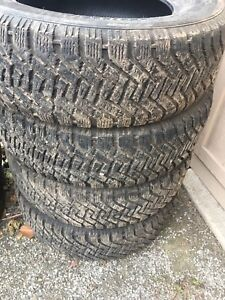225 65 R16 Goodyear Winter Tirss