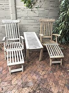 Fantastic 3 piece outdoor/patio setting. North Willoughby Willoughby Area Preview