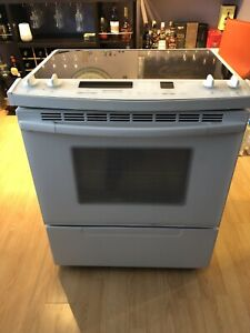 Kitchen oven ....in excellent condition