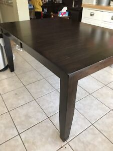 Dining/Kitchen table set (6 pieces)