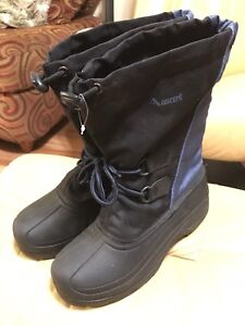 Winter boots (size 8)