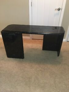 Nail desk (solid)