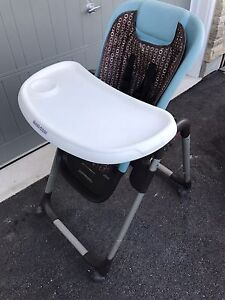 Maxi Cozi High Chair in Great condition