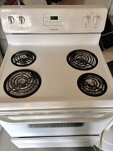 Frigidaire stove -works great