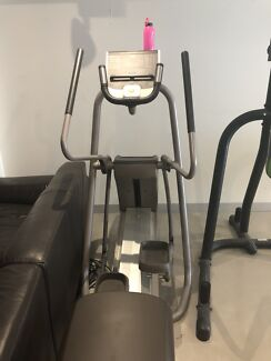 Precor Elliptical Cross Trainer - great condition!