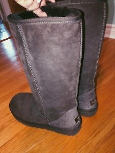 Tall brown ugg boots