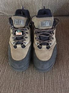 Women's work safety boots, size 9