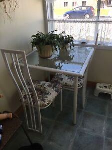 Petite table et chaises 2
