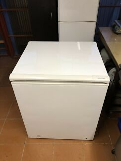 Fisher and paykel 216 L chest freezer
