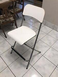 Rolling table, stools
