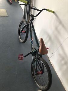 Specialized fuse 3 bmx bike