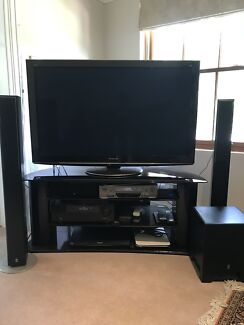 Panasonic 3D TV/Home theatre combo