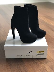 MIMOSA black booties size 7