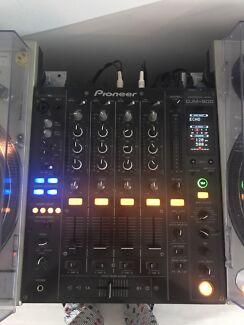 Pioneer DJM 800 + roadcase
