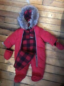 Suit d'hiver pour bébé Canadiana