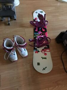 140cm girls firefly  snowboard and size 5 boots