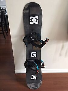 134cm snowboard, boots and bindings