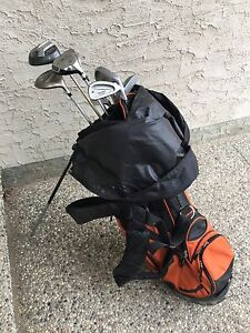 Full Set of Women's Golf Clubs and Bag