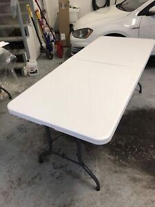 2 Table pliante / folding table 70$ chaque