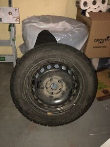215 60 R16 (with rims) Winter Tires / Pneu D'hiver