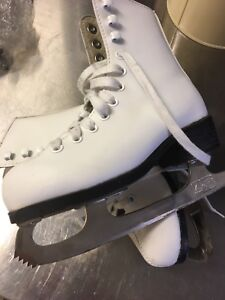 Girls Figure Skates in Excellent Condition