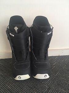 Burton Moto Snowboarding boots Gordon Tuggeranong Preview