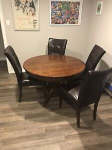 Solid Wood Antique Pedestal Table and 4 chairs