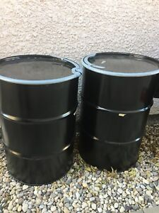 2 Barrels for sale great shape have a sealed rubber gasket.