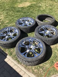 "24"" Giovanna Rims With Lexani Tires  *Need Gone"