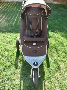 Valco stroller w/ bassinet option and accessories