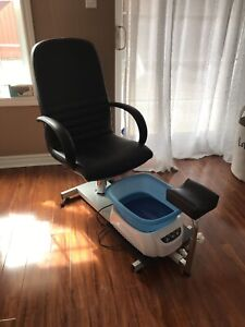 Pedicure chair with bath