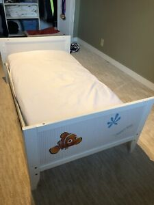 IKEA 3 in 1 convertible crib and the spring mattress