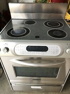KitchenAid Electric range, stainless steel glass ceramic cooktop