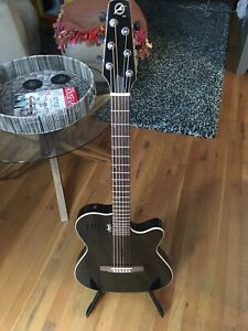 Seagull (Godin) SA6 acoustic electric guitar