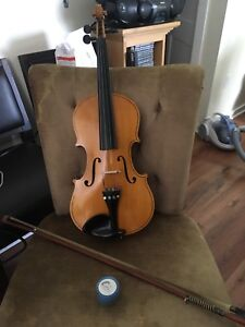 "Fiddle 23 1/2"" Good condition"
