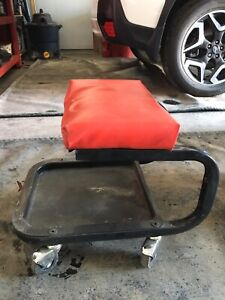 Mechanics Stool with Wheels