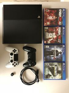PS4 bundle with games and 2 controllers