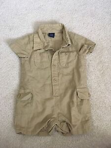 3-6m Baby Gap romper in excellent condition