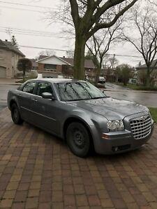 2006 Chrysler 300 automatique, 120000KM,  $2900