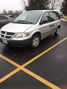 2006 dodge caravan base model must sell!!!!