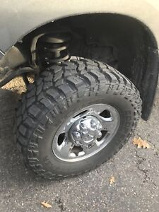 LT 305 65R 17 Cooper Discoverer STT Pro Tires