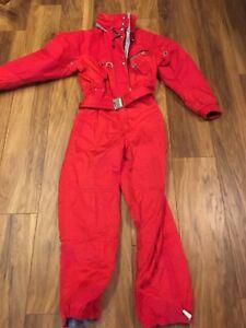 Lilly women's 10-12 ski suit EUc