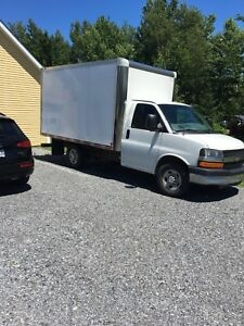Camion cube chevrolet Express 2012