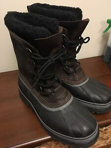 'NEW' SOREL CARIBOU BOOTS
