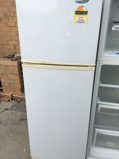 Westinghouse 275L fridge Free delivery