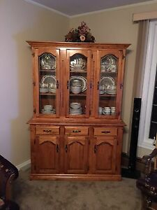 MATCHING SOLID MAPLE CHINA CABINET & MAPLE TABLE/CHAIRS